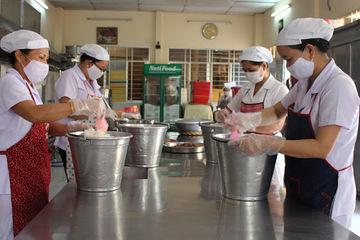 Làm sao để phòng tránh nguy cơ ngộ độc thực phẩm học đường?