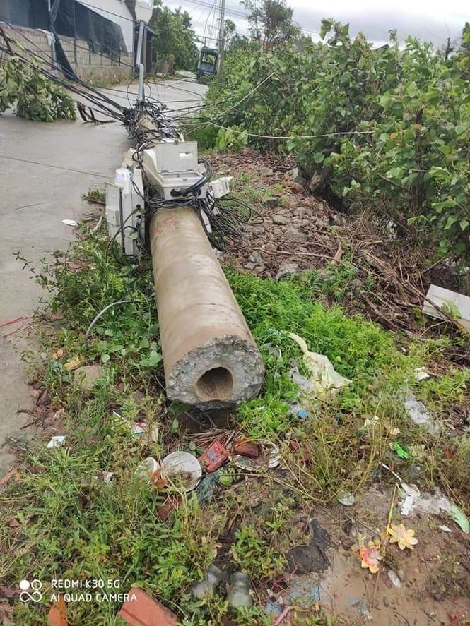 Hơn 400 cột điện đổ la liệt sau bão số 5: Tạm dừng sử dụng cột dự ứng lực