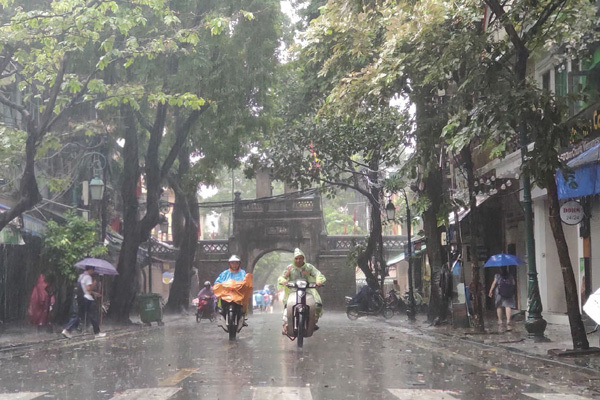 Dự báo thời tiết ngày 26/9: Hà Nội mưa lớn trong chiều tối và đêm