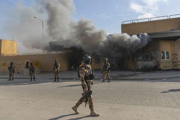 Bị tấn công liên tiếp, Mỹ dọa đóng cửa đại sứ quán ở Iraq