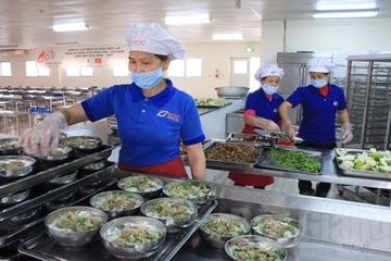 Hà Nội: Không lơ là vấn đề an toàn thực phẩm tại các bếp ăn trường học