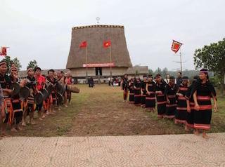 Kỷ niệm 10 năm mở cổng Làng Văn hoá các dân tộc VN