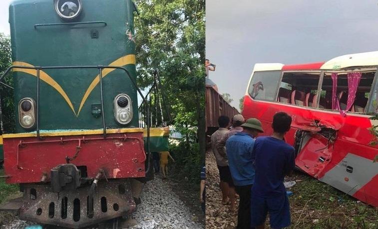 Xe chở học sinh va chạm với tàu hỏa sau buổi học trải nghiệm