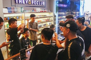 Giới trẻ thích thú với thuốc lá điện tử - nguy cơ âm thầm tới sức khỏe