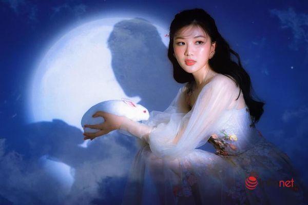 Lương Thanh đẹp lạ trong bộ ảnh hóa thân chị Hằng