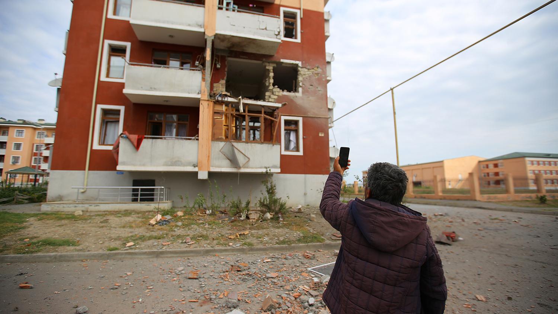 Dân thường chịu thiệt hại lớn sau 5 ngày diễn ra giao tranh Azerbaijan-Armenia