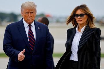 Những nguy cơ ông Trump và vợ phải đối mặt khi mắc Covid-19