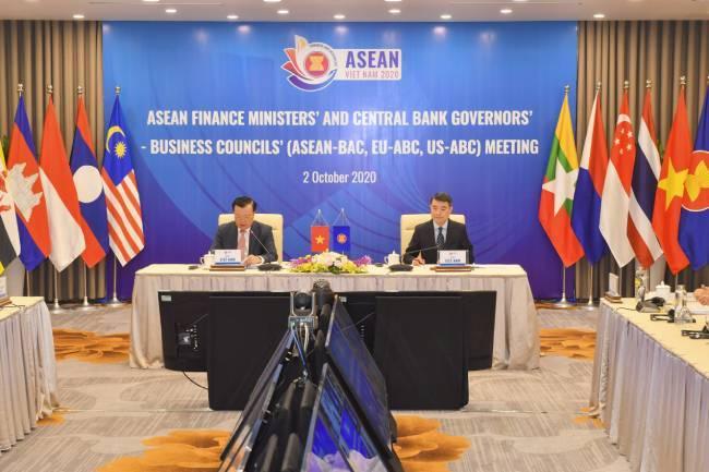 Họp trực tuyến giữa các Thống dốc ngân hàng, Bộ trưởng tài chính ASEAN và cộng đồng doanh nghiệp