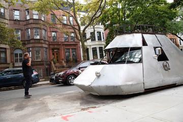 Xe ô tô 'phi thuyền' gây sốt trên đường phố New York