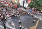 Cảnh sát Trung Quốc lập 'hàng rào người' phân luồng giao thông