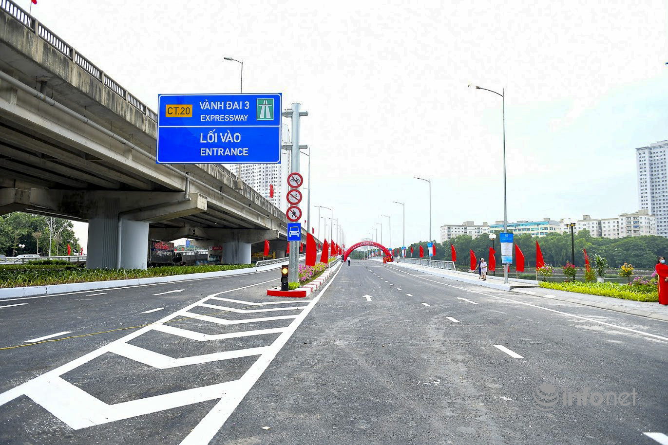 Hình ảnh cầu vượt hồ Linh Đàm thông xe, 'giải phóng' áp lực giao thông