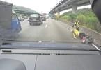 10 ô tô đâm liên hoàn vì xe máy đi vào đường cấm trên cao tốc ở Đài Loan