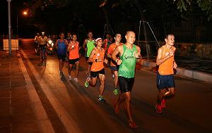 Thấy một Hà Nội lãng mạn đêm thu qua cung đường của VPBank Hanoi Marathon ASEAN