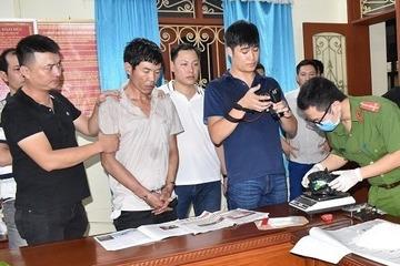 Bắt đối tượng giấu 3kg ma túy trong đệm ghế xe, chạy từ Quảng Trị ra Hà Nội