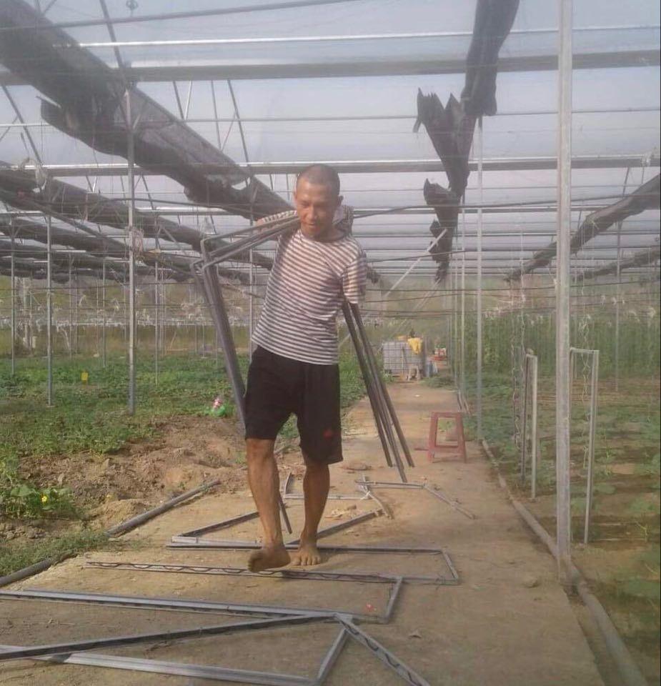 Khuyết tật đôi tay, chàng trai 8x thành công sau quyết định 'liều lĩnh' thế chấp nhà đất làm nông nghiệp hữu cơ