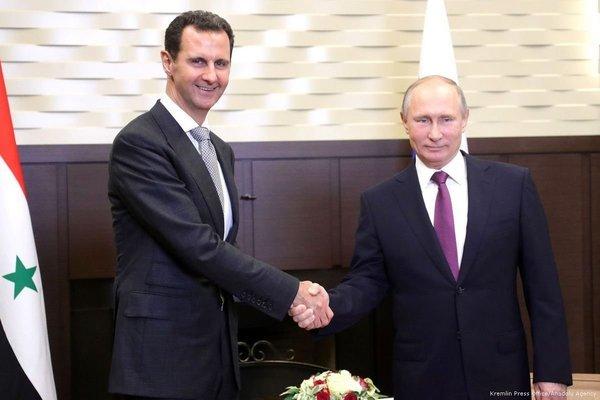 Tình hình Syria: TT Assad tiêm vắc-xin Nga, 70 người thương vong vì đánh bom