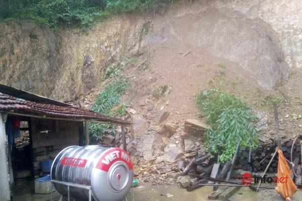 Quảng Bình mưa to, hàng ngàn người phải di chuyển tránh lũ lụt