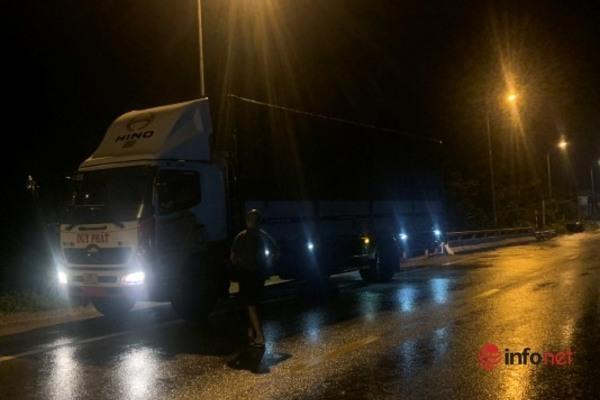 Khen ngợi thanh niên quyết không để tài xế xe tải gây tai nạn chết người chạy thoát