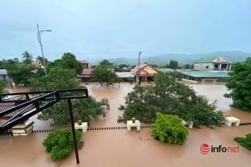 """Mưa lũ chưa dứt, các tỉnh miền Trung tiếp tục """"hứng"""" áp thấp nhiệt đới mới"""