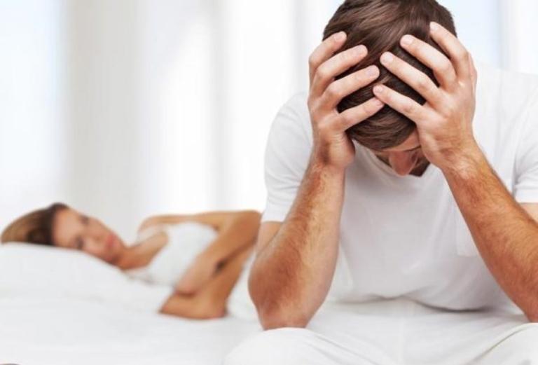 """Bác sĩ nam khoa: Đàn ông Việt ngày càng """"sợ"""" vợ trong phòng ngủ"""