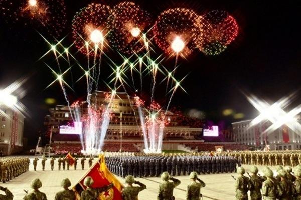 Triều Tiên 'trình làng' tên lửa đạn đạo mới tại lễ duyệt binh