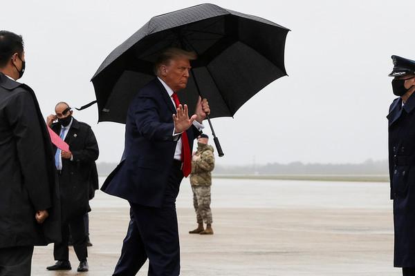 TT Trump lần đầu được xác nhận âm tính với Covid-19
