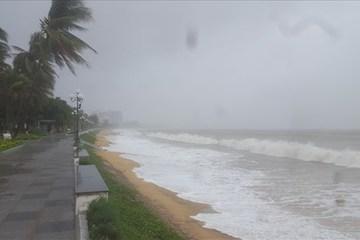 Dự báo thời tiết ngày 14/10: Hải Phòng - Nghệ An gió giật mạnh, miền Bắc lạnh, miền Trung mưa lớn