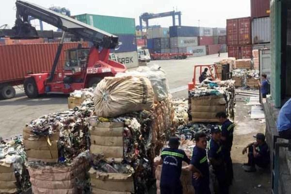 Khẩn trương tái xuất phế liệu không đủ điều kiện nhập khẩu tồn đọng ở cảng biển