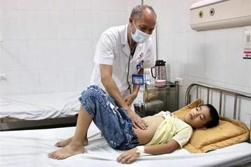 Nguyên nhân gây ngộ độc cho nhiều học sinh tại huyện Đông Anh là gì?