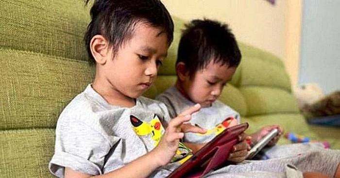 Lượng thời gian trẻ em 2-5 tuổi xem tivi, điện thoại phù hợp