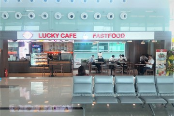 """Bát phở, chai nước đắt đỏ ở sân bay không khách: Doanh nghiệp dịch vụ """"ăn theo"""" hàng không nhận cú sốc, bết bát"""