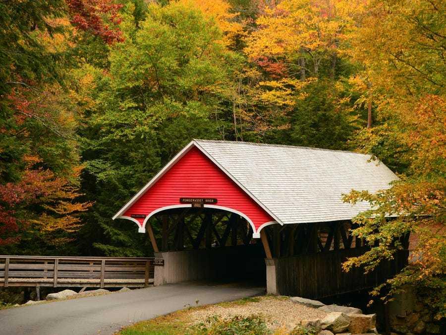 Những cây cầu có mái che đẹp như tranh vẽ ở vùng nông thôn Mỹ
