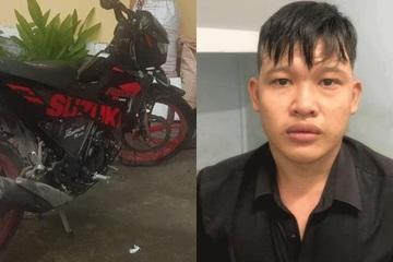 Đi xe máy giật điện thoại trên phố, tên cướp bị nạn nhân đạp ngã