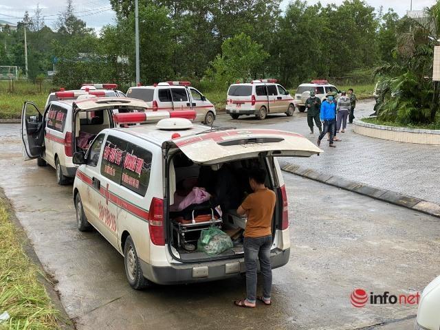 Mẹ ngã quỵ chờ đón thi thể con bị nạn ở Đoàn Kinh tế - Quốc phòng 337