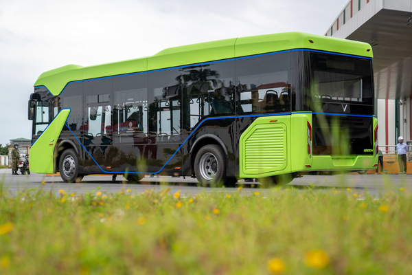 Xe buýt điện VinFast chính thức chạy thử nghiệm