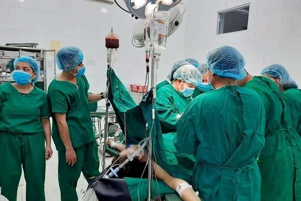 Quảng Nam: Phẫu thuật cứu sản phụ mang thai 14 tuần bị vỡ tử cung
