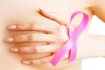Thắp sáng màu hồng tại hai thành phố lớn phòng chống ung thư vú