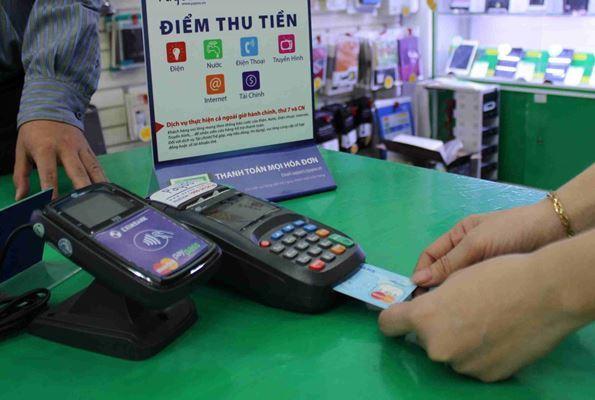 Dự kiến hết quý 4/2020, khu vực đô thị của 21 tỉnh thành phía Nam sẽ thanh toán tiền điện không dùng tiền mặt