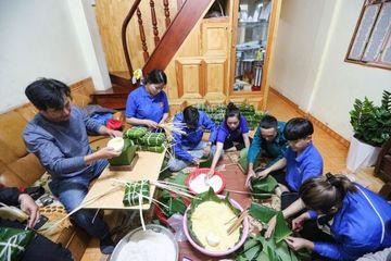 Hàng chục ngàn bánh tét, chục tấn nhu yếu phẩm từ Lâm Đồng gửi tâm lũ miền Trung