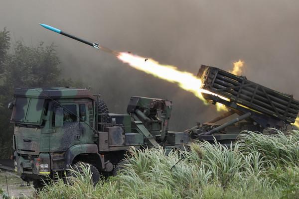 Bộ Ngoại giao Mỹ bật đèn xanh bán lô vũ khí 1,8 tỉ USD cho Đài Loan