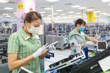 Việt Nam tiếp tục xuất siêu trong nửa đầu tháng 10