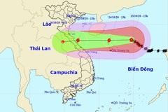 Bão số 8 di chuyển chậm, gió giật cấp 15, quần đảo Hoàng Sa mưa lớn