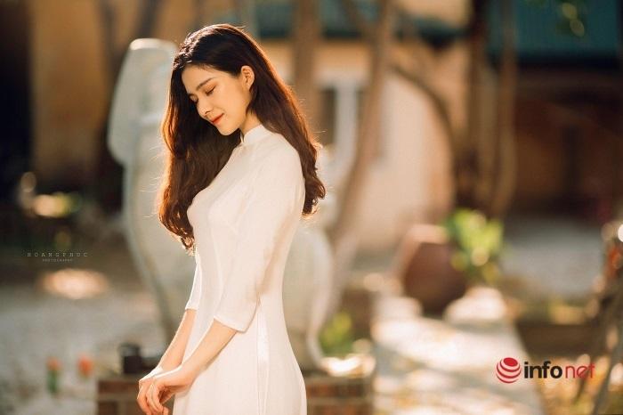 Dàn trai xinh, gái đẹp hút hồn ở CLB đối ngoại 'giàu nhất' ĐH Kinh tế Quốc dân