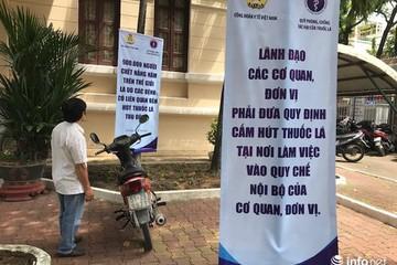 Bắc Ninh vẫn có người hút thuốc lá tại khuôn viên bệnh viện