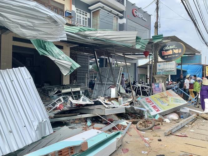 Xe điên,xe tông nhà dân,Quảng Ngãi,tai nạn kinh hoàng