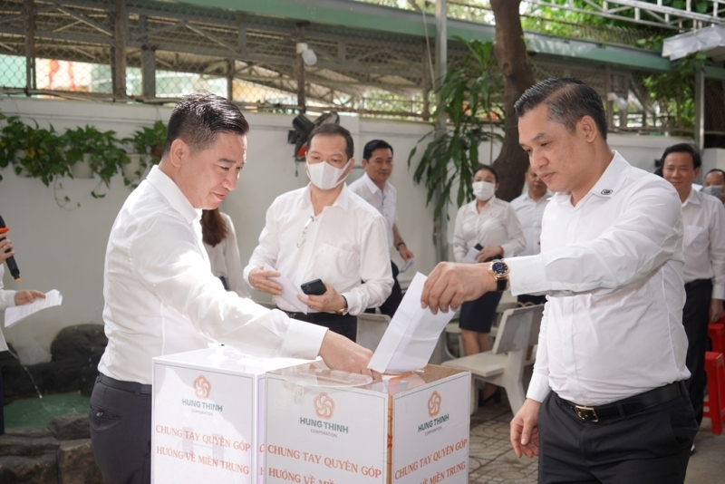 Tập đoàn Hưng Thịnh ủng hộ gần 5,3 tỷ đồng hỗ trợ đồng bào vùng lũ miền Trung