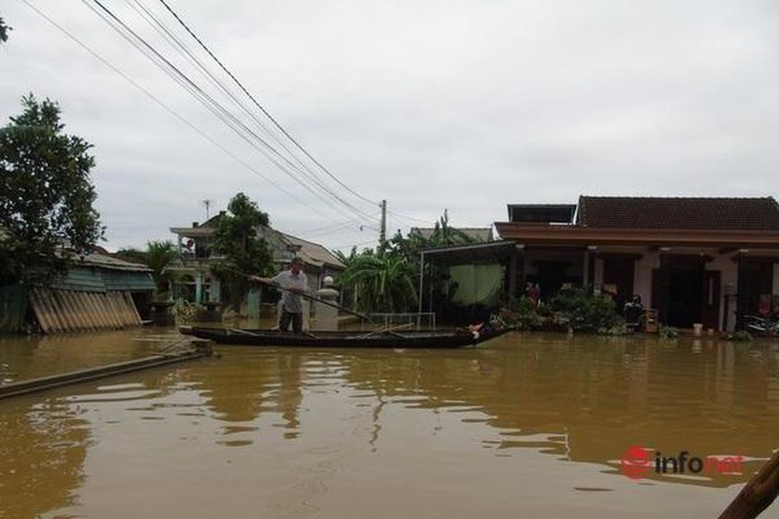 Chuyên gia hướng dẫn xử lý nước ăn uống sau bão lụt