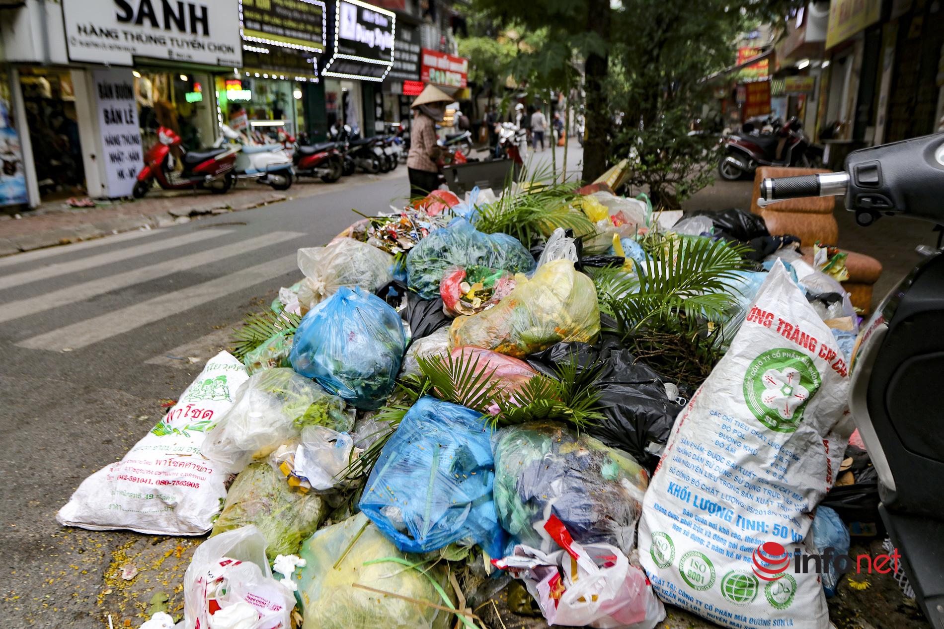 rác thải,rác thải ùn ứ nội đô,rác thải bủa vây Hà Nội,người dân chặn xe rác,bãi rác Nam Sơn