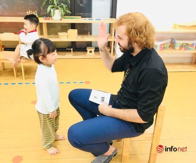 Cho trẻ làm quen tiếng Anh từ 3 tuổi: Trường mầm non 'trắng' giáo viên ngoại ngữ, chất lượng ai chịu?
