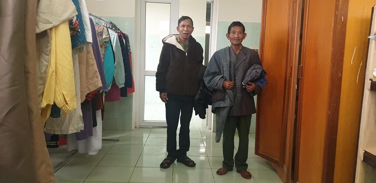 Ấm lòng 'shop 0 đồng' ở bệnh viện vùng biên Quảng Bình sau cơn lũ dữ